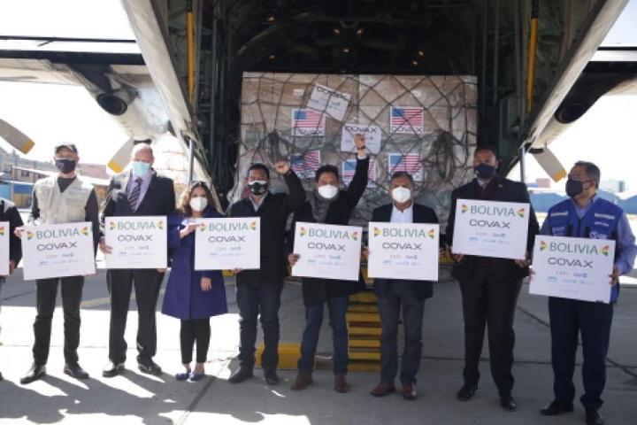Ministerio de Salud y Deportes de Bolivia - MINISTRO AUZA: EL 14% DE LA POBLACIÓN BOLIVIANA SERÁ INMUNIZADA CON 1.008.000 DOSIS DE LA VACUNA JANSSEN DE JOHNSON & JOHNSON